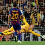 Barcelona set to agree new deal with Keeper Ter Stegen