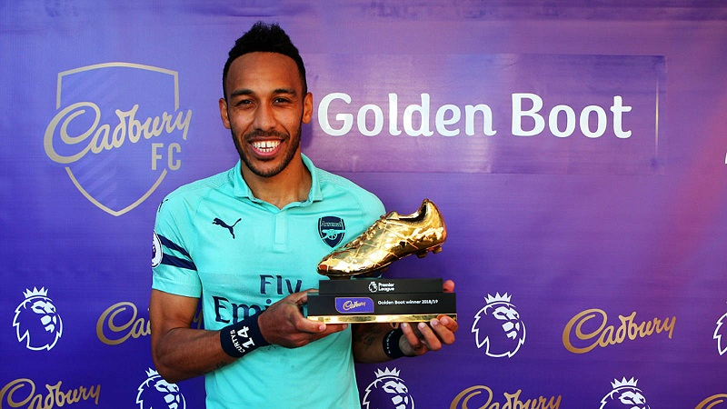 Arsenal offer Aubameyang contract extension