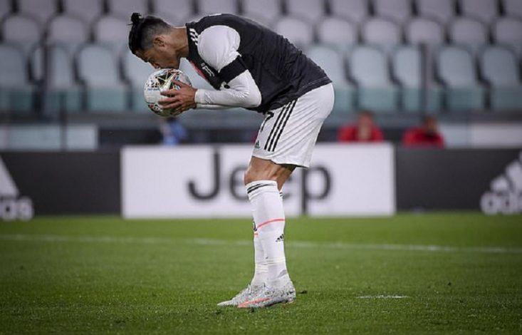 Ronaldo missed penalty against Milan
