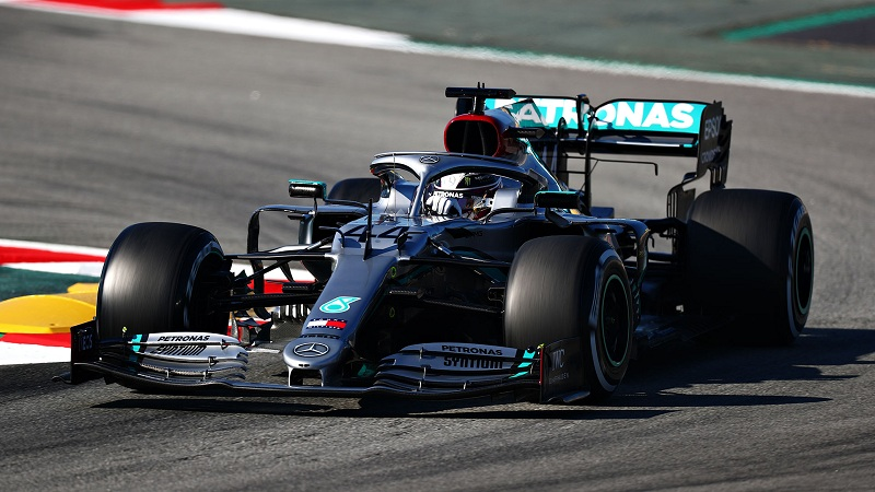 Mercedes drop 'silver arrows' trim for black