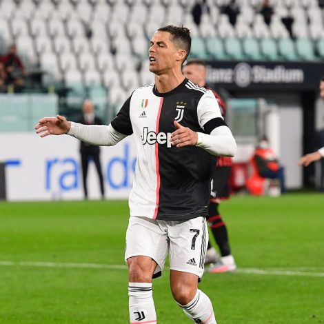 Ronaldo dejected after missing penalty