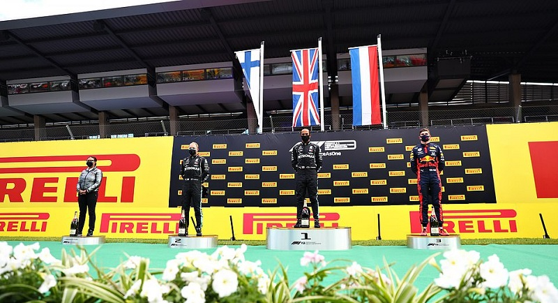 Hamilton wins Styrian Prix