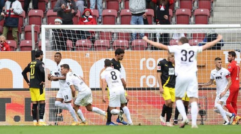Borussia Dortmund slump to 2-0 defeat away at Augsburg