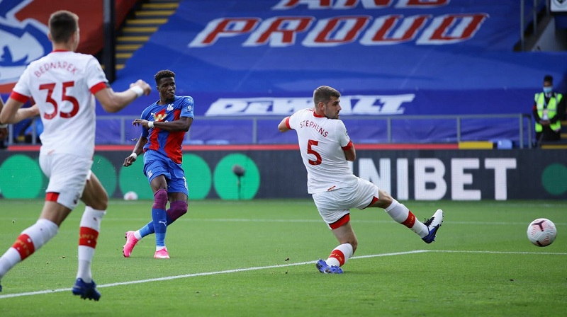 Wilfried Zaha scores for Crystal Palace