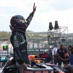 F1: Lewis Hamilton survives scare to take pole position in the Russian Grand Prix