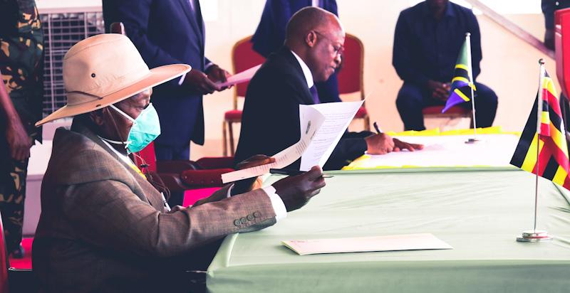 Tanzania, Uganda Sign $3.5 Billion Crude Pipeline Deal