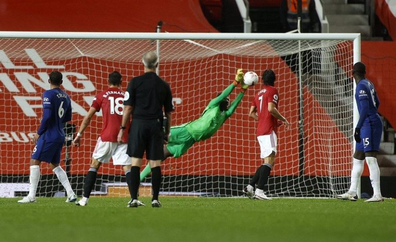 Manchester United play to barren draw with Chelsea