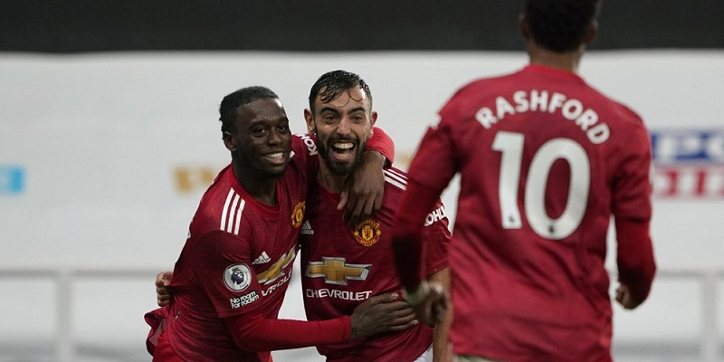 Premier League: Late goals from Manchester United give them win over Newcastle United