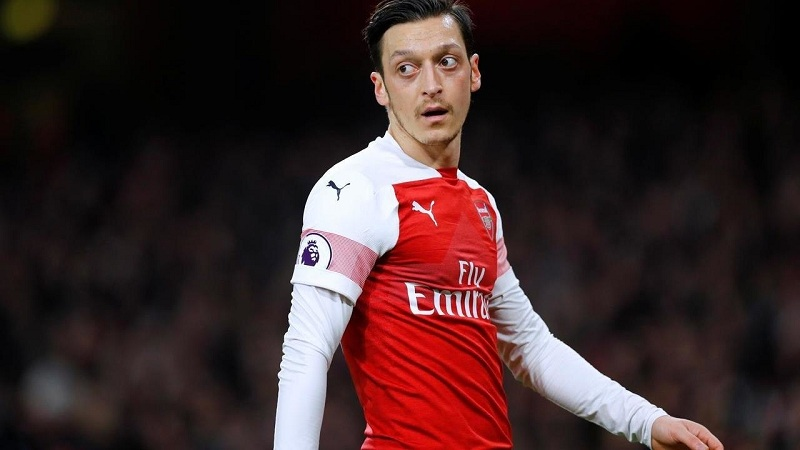 Arsenal consider terminating Mesut Ozil's contract before January transfer window