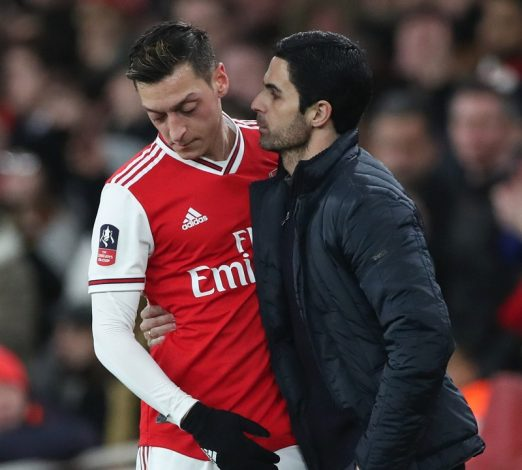 Mikel Arteta says he will take blame for failing with Mesut Ozil