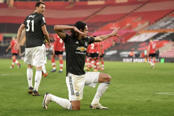 Manchester United rally from two goals down to beat Southampton 3-2