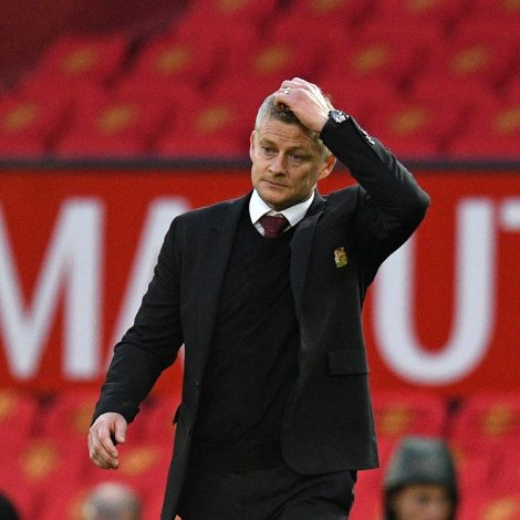 Manchester United travel to Everton with Ole Gunnar Solskjaer's reign on the line