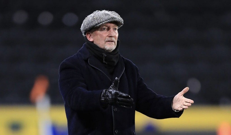 Grimsby Town manager Ian Holloway resigns on Twitter
