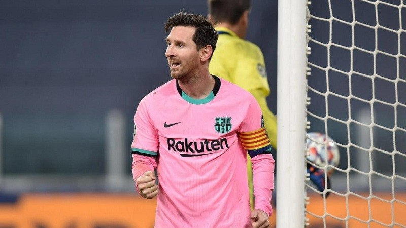 Lionel Messi breaks Pele's one-club goal-scoring record with 644th strike for Barcelona