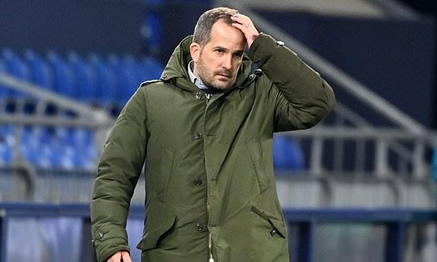 Schalke sack their second manager this season