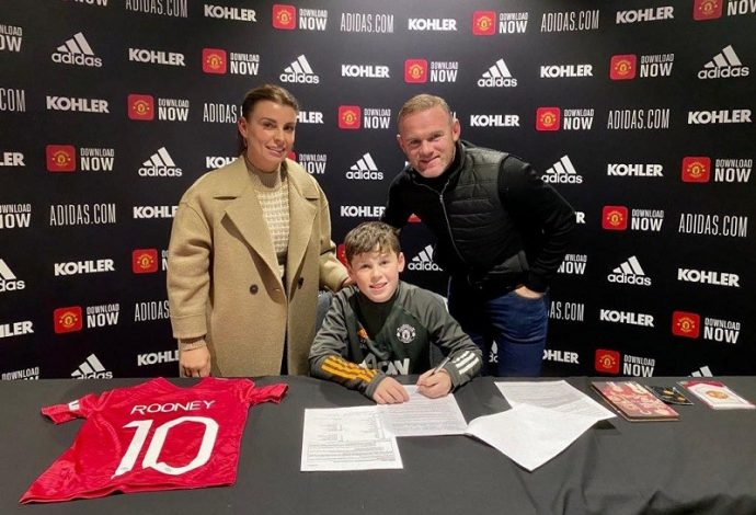 Wayne Rooney's son, Kai, signs for Manchester United