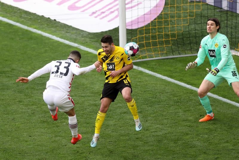 Borussia Dortmund suffer blow to Champions League race with loss to Frankfurt