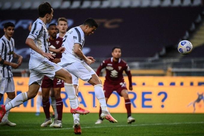 Ronaldo strikes late to earn point for Juventus against Torino