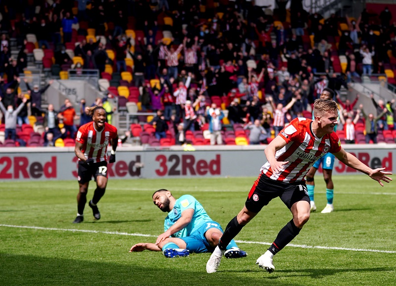 Brentford come from behind to beat Bournemouth 3-1 to secure Sky Bet Championship play-off final.