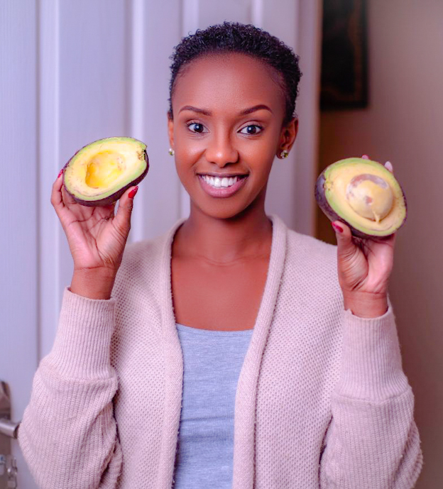 We had the pleasure of chatting with Lelo Sora, a certified nutritionist and weight loss coach, otherwise known as Lelo.