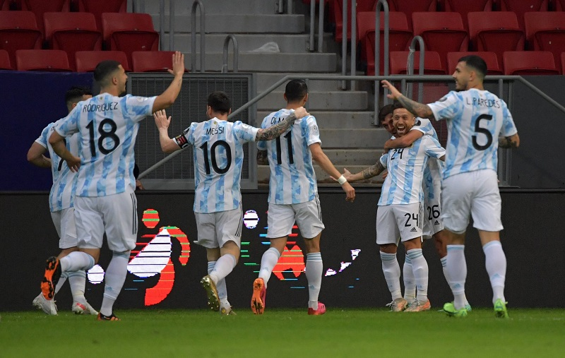 Lionel Messi leads Argentina to beat Paraguay 1-0