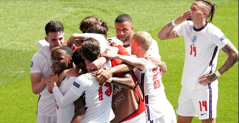 Raheem Sterling's strike gives England win over Croatia