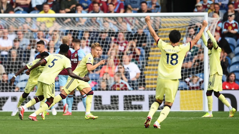 Odegaard's goal gives Arsenal win over Burnley