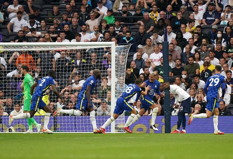 Chelsea thrash Tottenham 3-0 at Tottenham Stadium